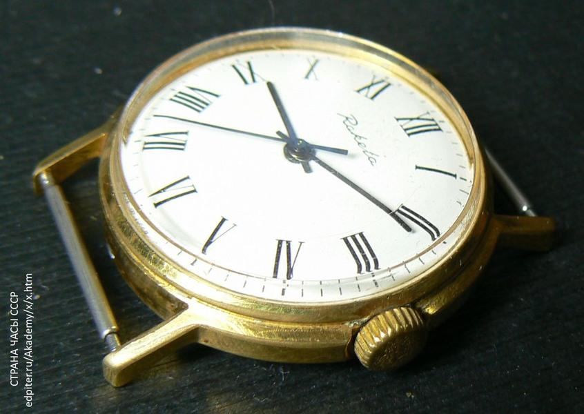 Старинные часы raketa в хорошем состоянии.